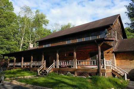 Hilltop Lodge & Campground