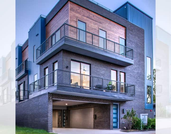 Brand new, luxury townhouse with massive rooftop!
