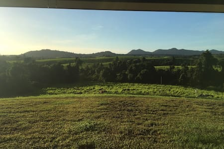 Modern Farm House with Views - East Palmerston - Hus