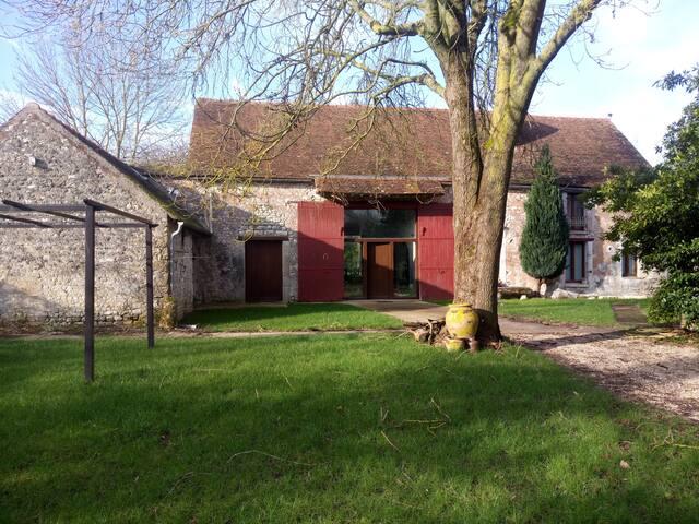 Maison avec grand salon proche Forêt FONTAINEBLEAU