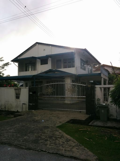 Front View of the house 02