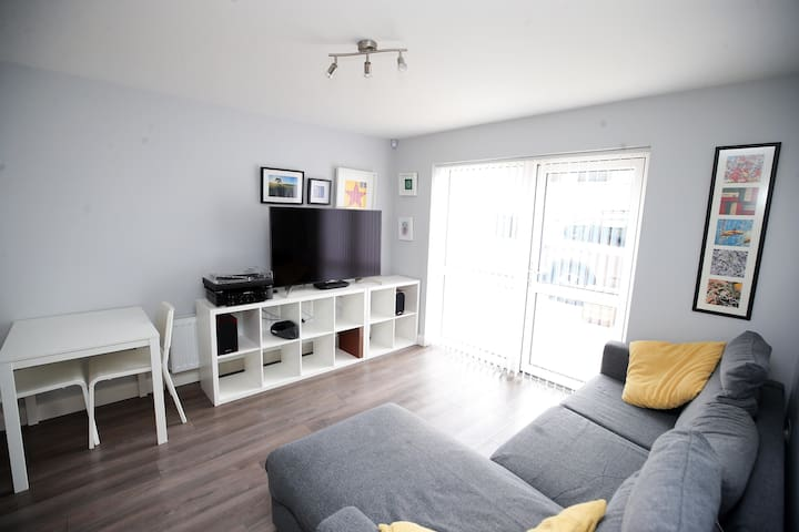 Bright and modern ground floor apartment
