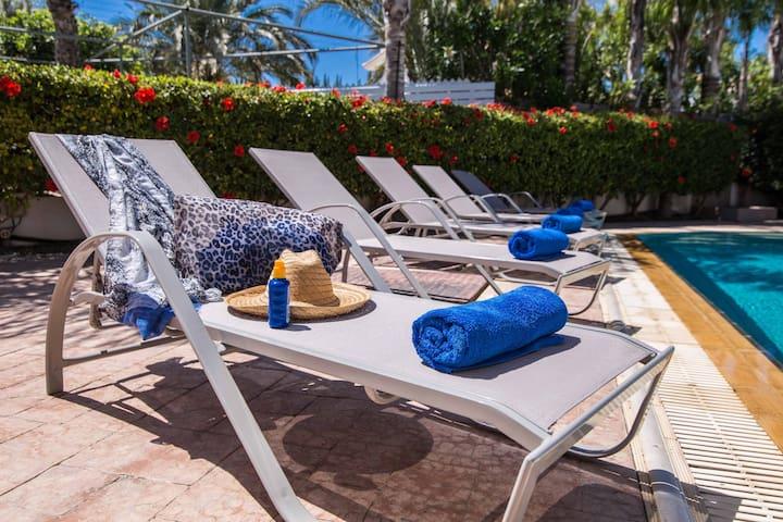 Ayia Thekla Villa  close to Nissi beach with pool
