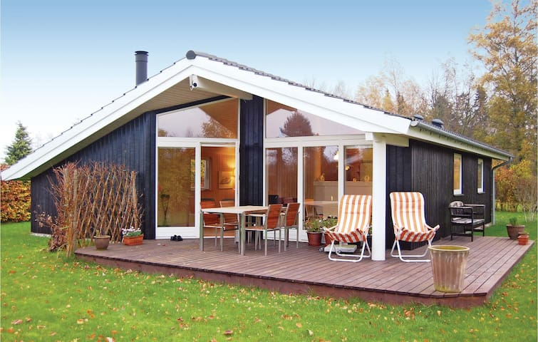 Holiday cottage with 2 bedrooms on 70 m² in Stubbekøbing