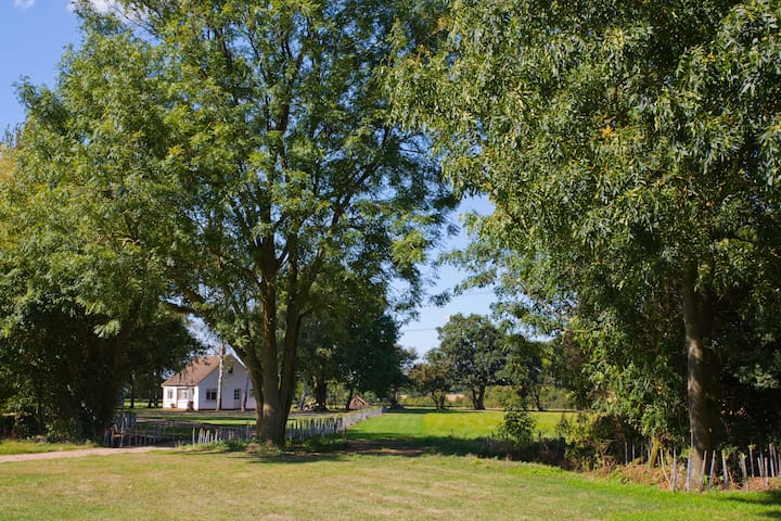 Ponds Cottage - Rural  Perfection - Essex - Huis