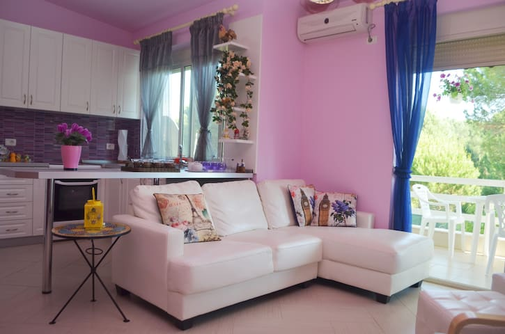 Colorful Holiday Apartment in Lalzi Bay --089