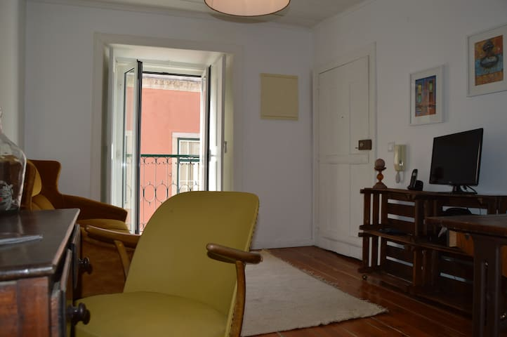 Cosy House in Santos-o-Velho, 44, 2D - Lisboa - Apartment