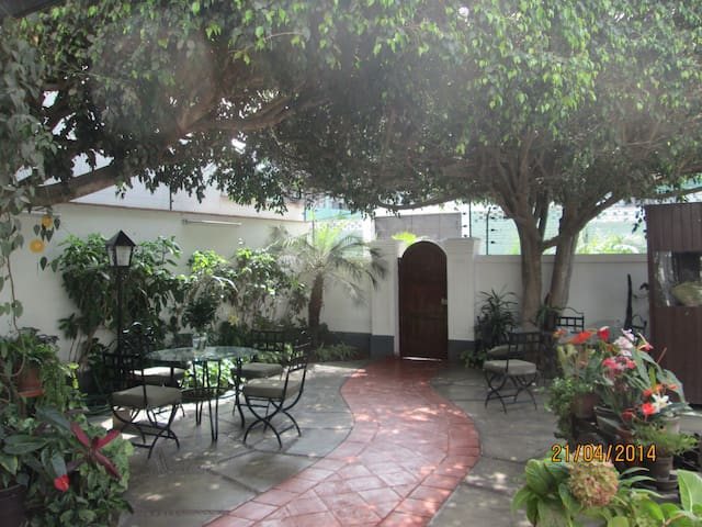 Spanish Colonial Style B&B - San Isidro - Bed & Breakfast