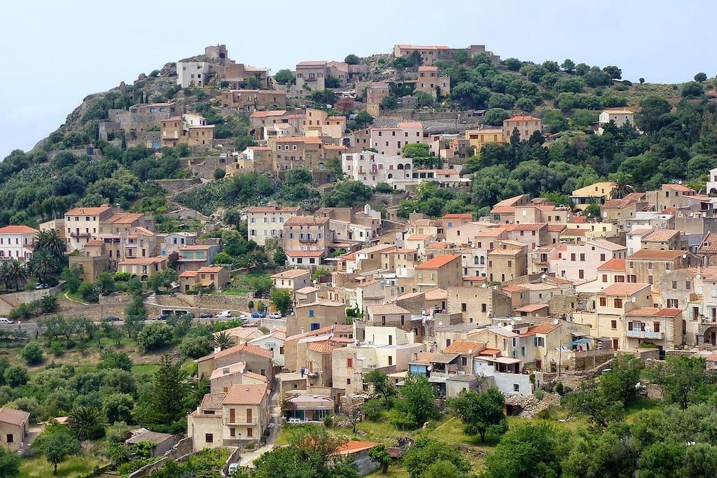 Le village de Corbara