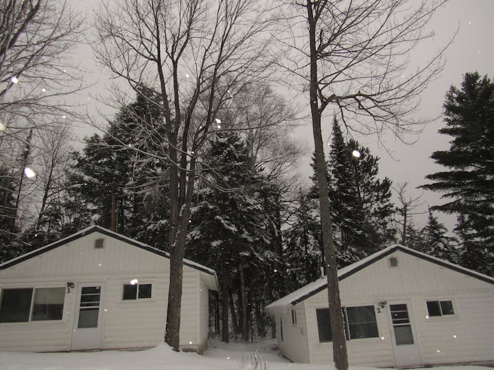 Renovated Lakeside Cabin#3,Hot Tub,Fishing Pier,Boats,Snowmobile right off property