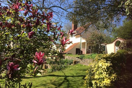 Moor Cottage , Corsley , Nr Longleat.