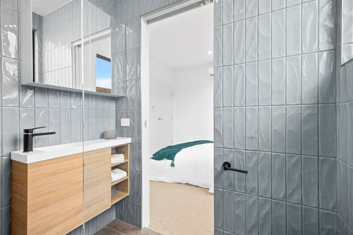 En-suite with shower, toilet and basin