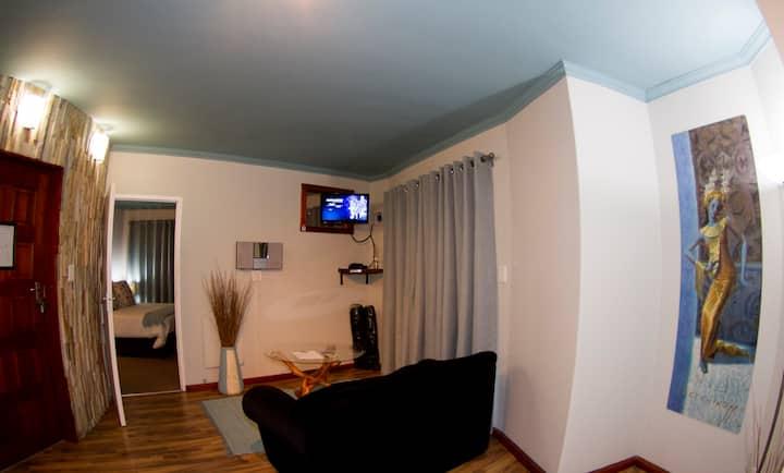 Roundhouse - Luxury Apartment 2
