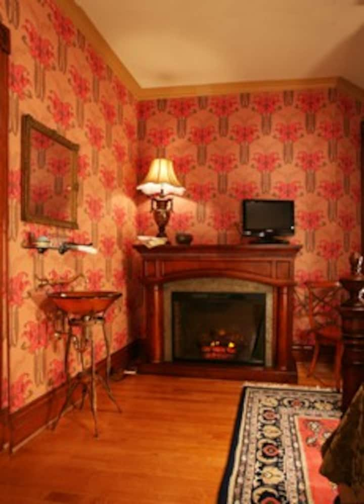 Signature Room - The Historic Webster House