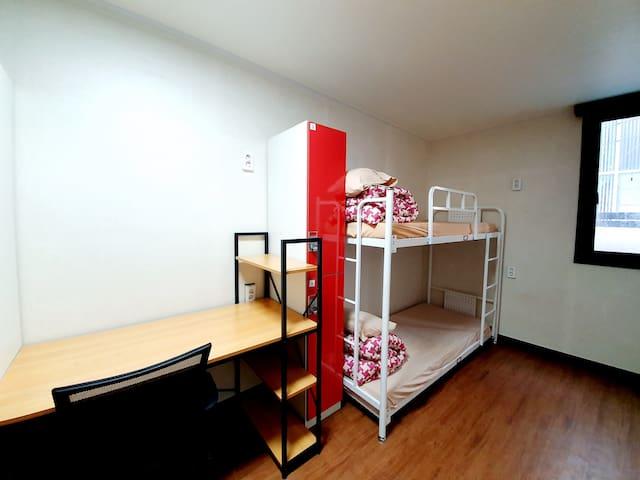 Twin Private Room 트윈룸