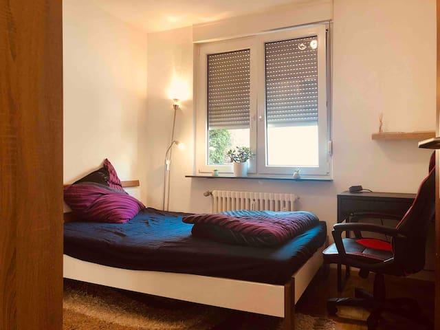 Comfortable room in Die Südstadt, Karlsruhe.