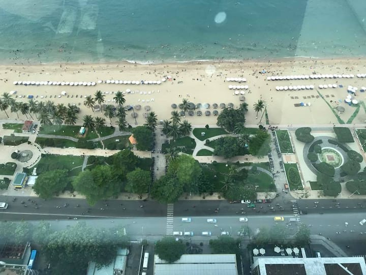Luxurious Seaside Apartment in Muong Thanh Hotel