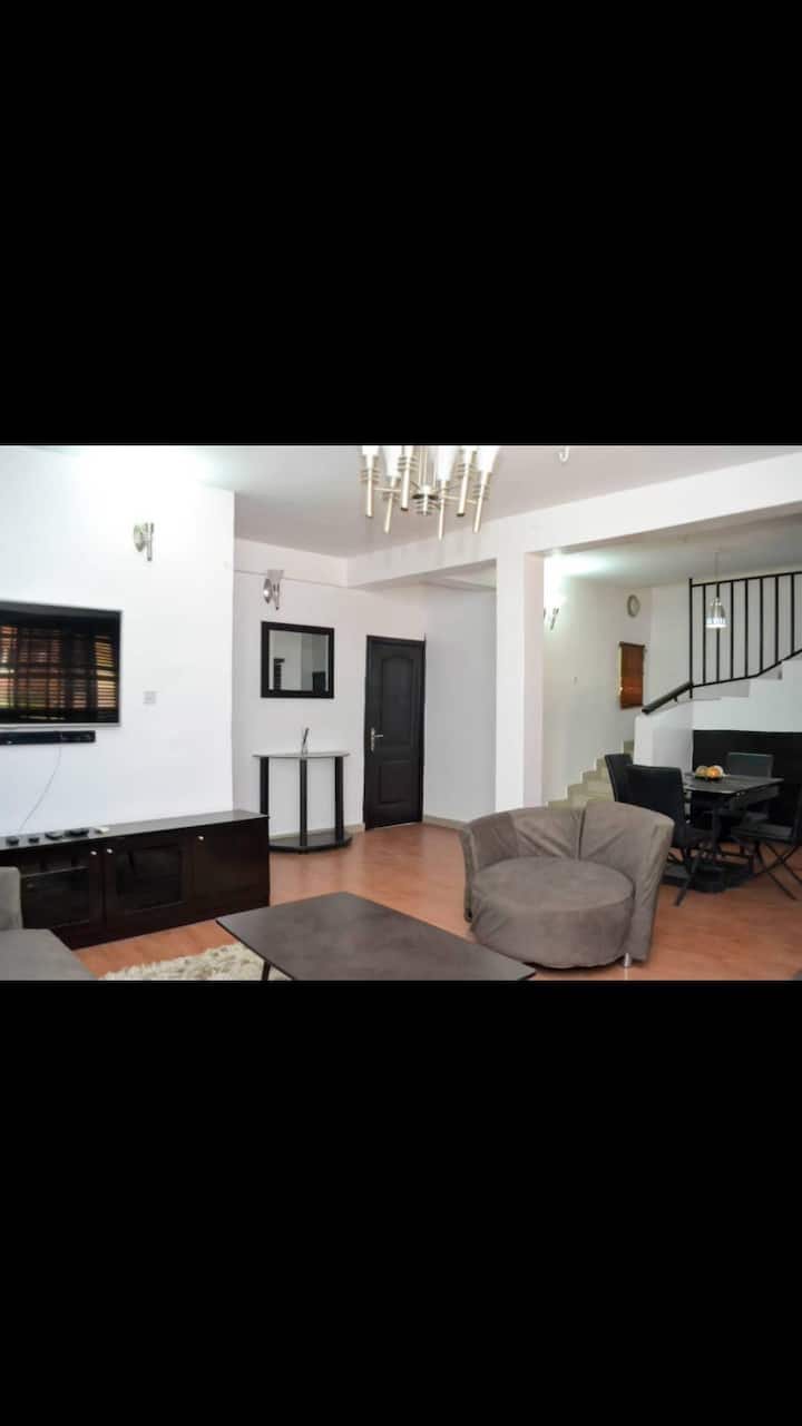 Casa kJ*3 bedroom serviced apartment