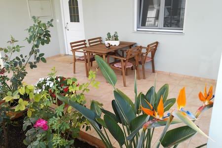 Litsa's Elegant Apartment - Chania - Apartment