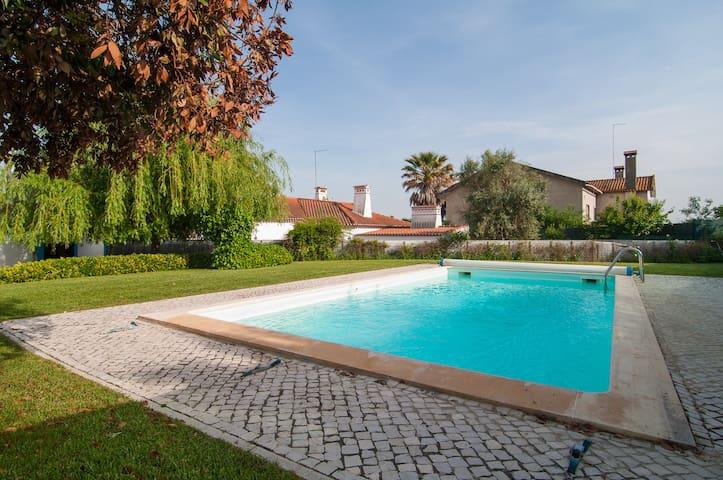 Casa de Campo com piscina - Azóia de Baixo - Vila