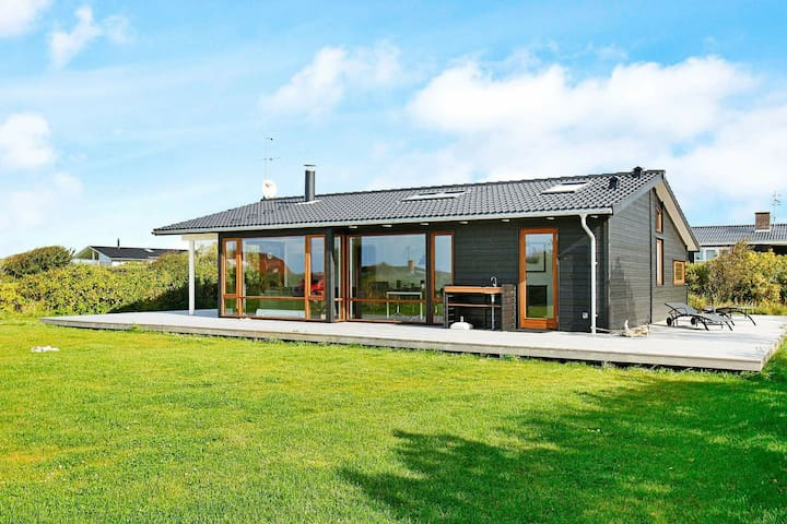 Peaceful Holiday Home in Vestervig with Whirlpool