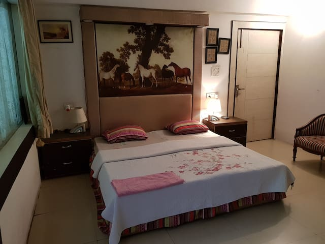 Private Bedroom2