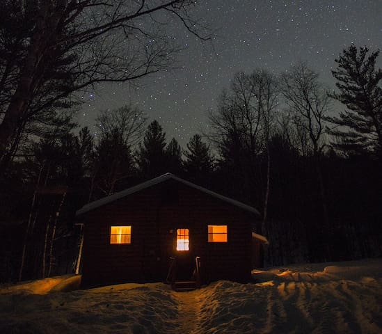 Babbling Brook Cabin, Adirondacks - North Creek - Kabin