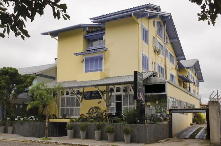 Mezanino para 9  pessoas na Pousada Thiany