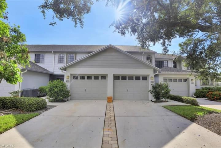 Naples nicest location with entire home + garage