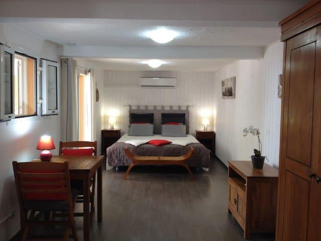 Chambre climatisé, lit king size 180X200