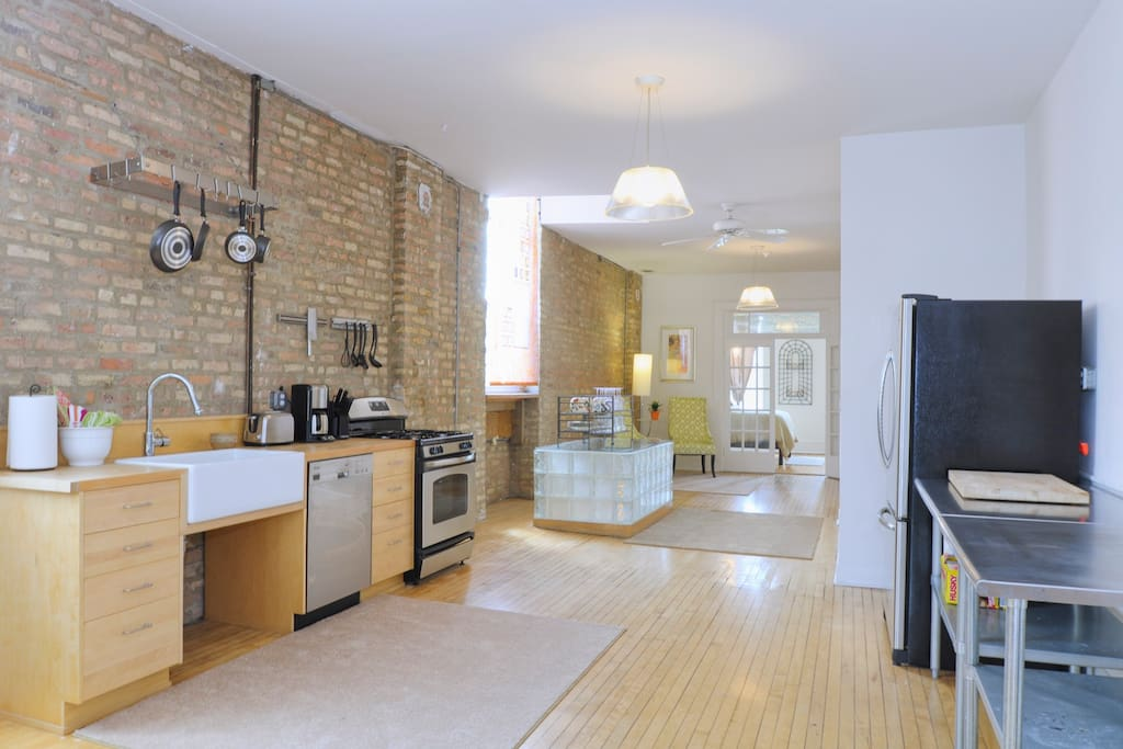 Wicker Park 2 Bedroom Artist Loft Apartments For Rent In Chicago Illinois
