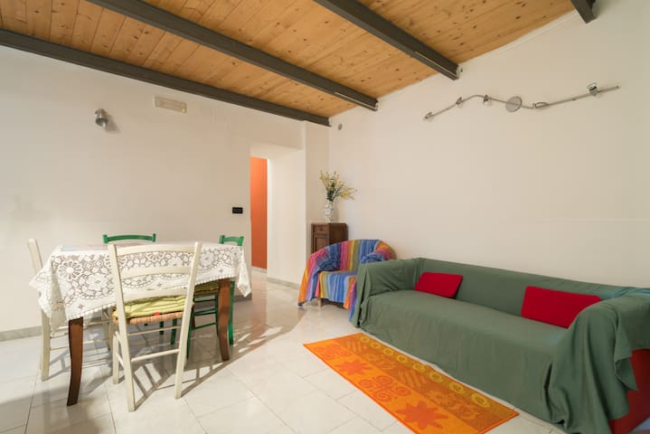 Angelina's flat for 6 persons - Naples - Rumah