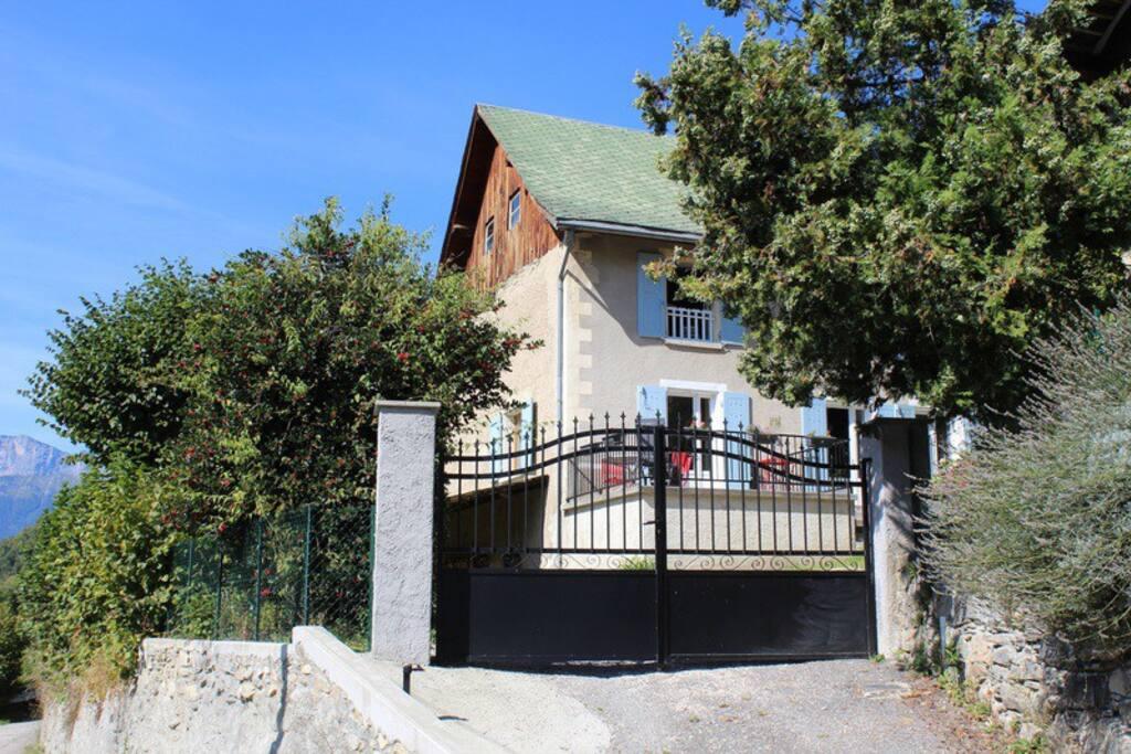 location maison rustique 10km 7laux maisons louer theys rh ne alpes france. Black Bedroom Furniture Sets. Home Design Ideas