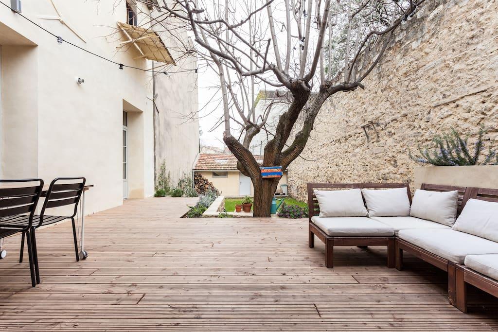 Maison hyper centre jardin garage maisons louer - Maison jardin condominium montpellier ...