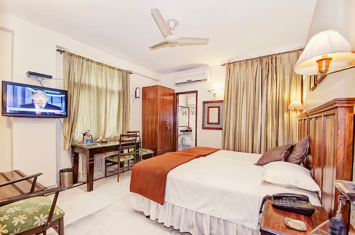 Home Stay in Greater Kailash 1 - Nuova Delhi - Bed & Breakfast