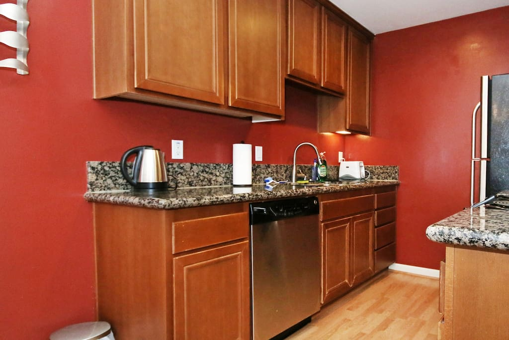 Kitchen - Fully stocked with granite counter tops
