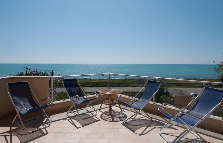 Villa Timpe Rosse. Sea Front. wifi - Scicli