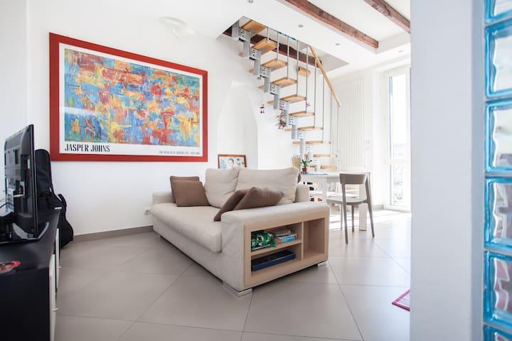 2bedrooms_2bath_cozy_easyparking_bright_comfortabl