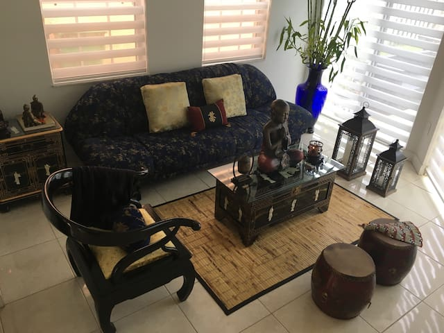 Quiet, Spacious Room in great Neighborhood! - Miami - Casa