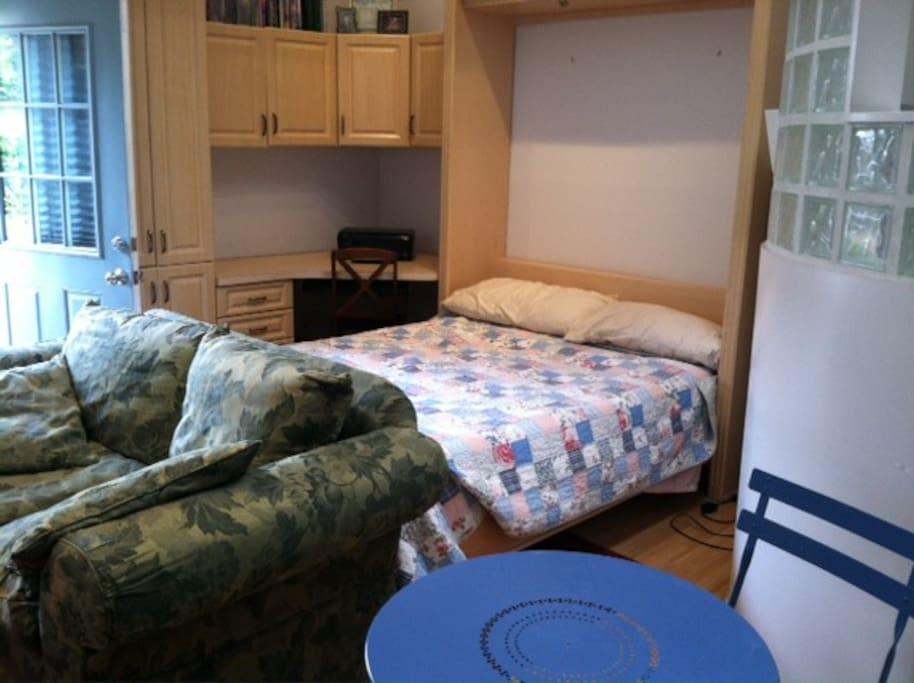 Murphy queen bed!