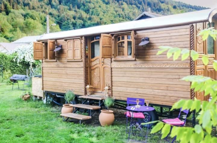 Roulotte de charme dans les Alpes Francaises
