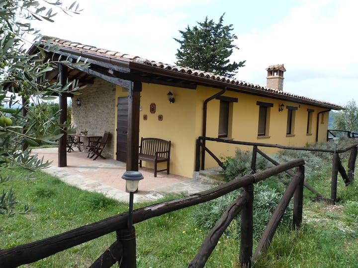 Intero casolare chiamato Casa Floriana