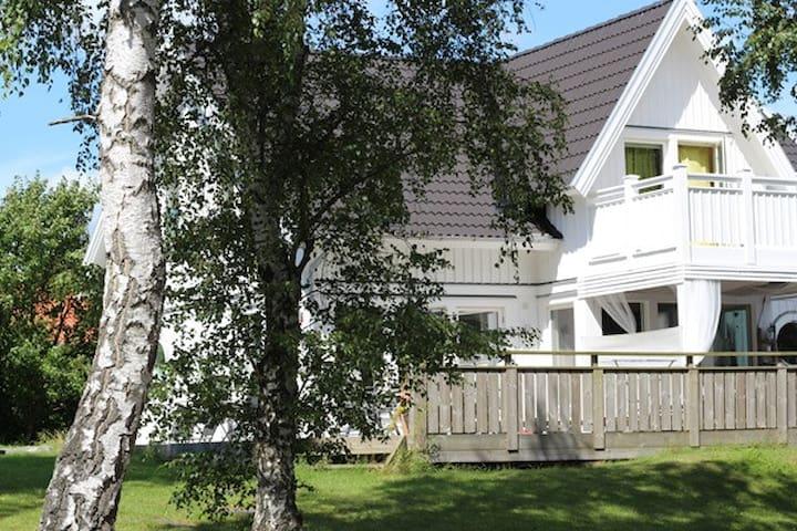 Modernt hus i semesterparadis (Åsa) - Åsa - Rumah