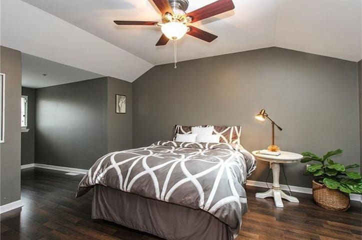 Beautiful high end apartment - Charlotte - Apartment
