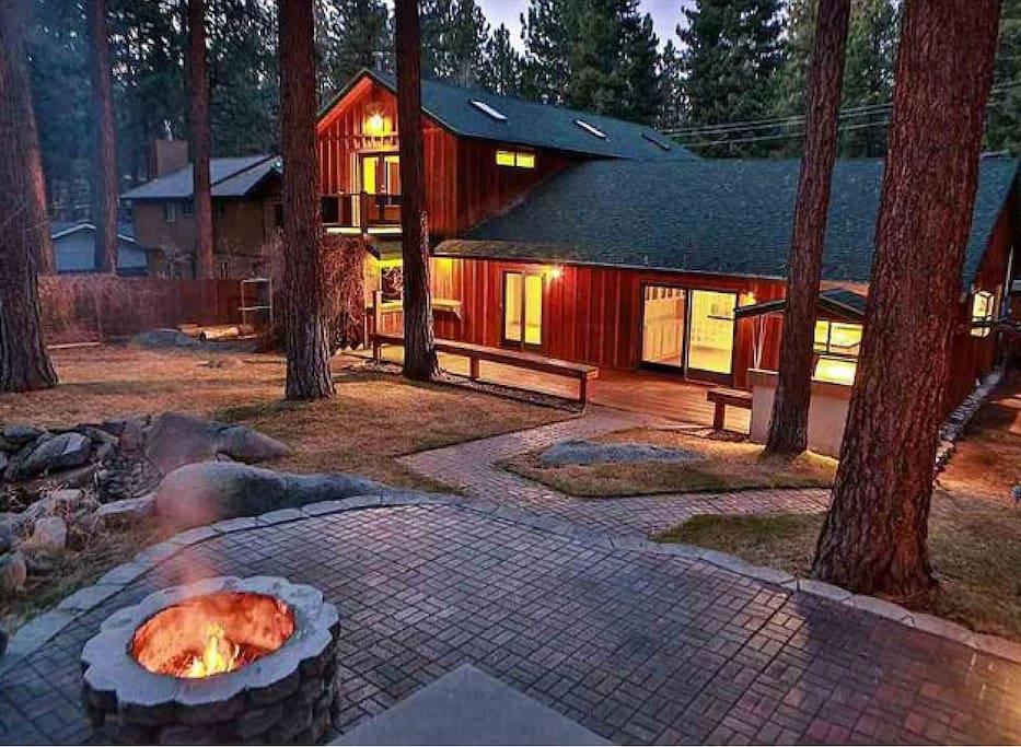 Lake tahoe home near beach sleeps12 case in affitto a for Animali domestici della cabina del lake tahoe