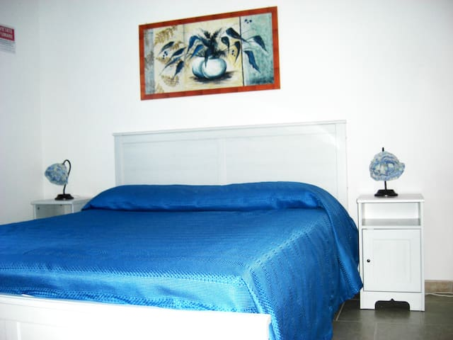 double room with wc and kitchenette - Bernalda - Bed & Breakfast