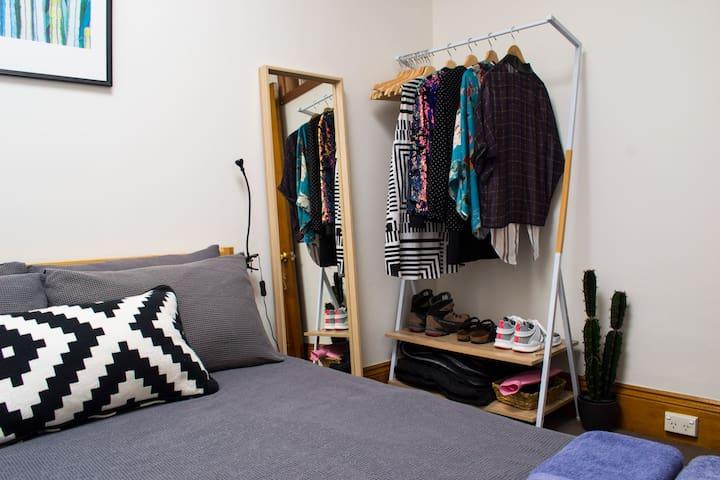 #2 Perfect CBD Location Sunny Double Bedroom