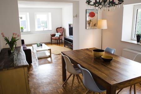 Landhaus-Idylle in perfekter und ruhiger Lage!