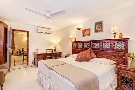 Fascinating BnB at GK-1 South Delhi - New Delhi - Bed & Breakfast