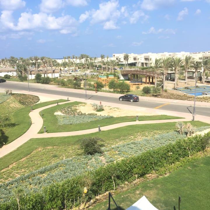 Modern chalet in Amwaj with big terrace